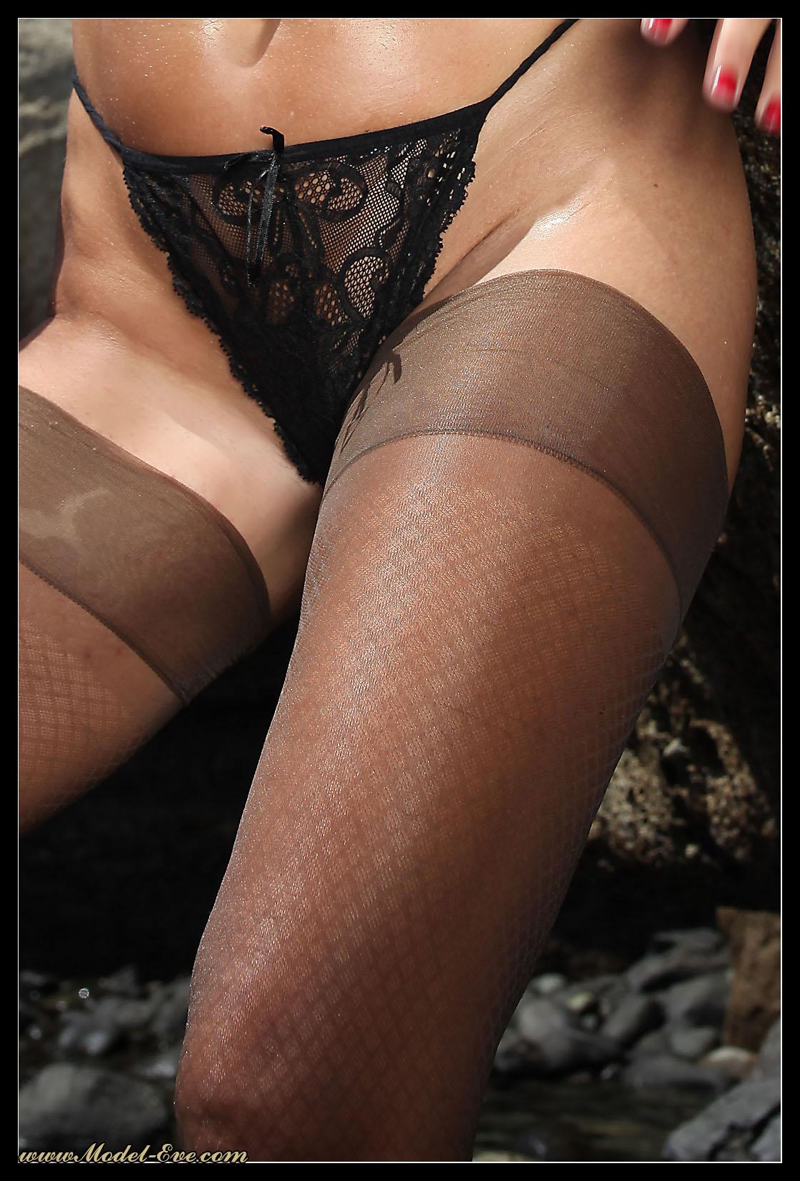 Целлюлитные ноги в колготках фото 3 фотография
