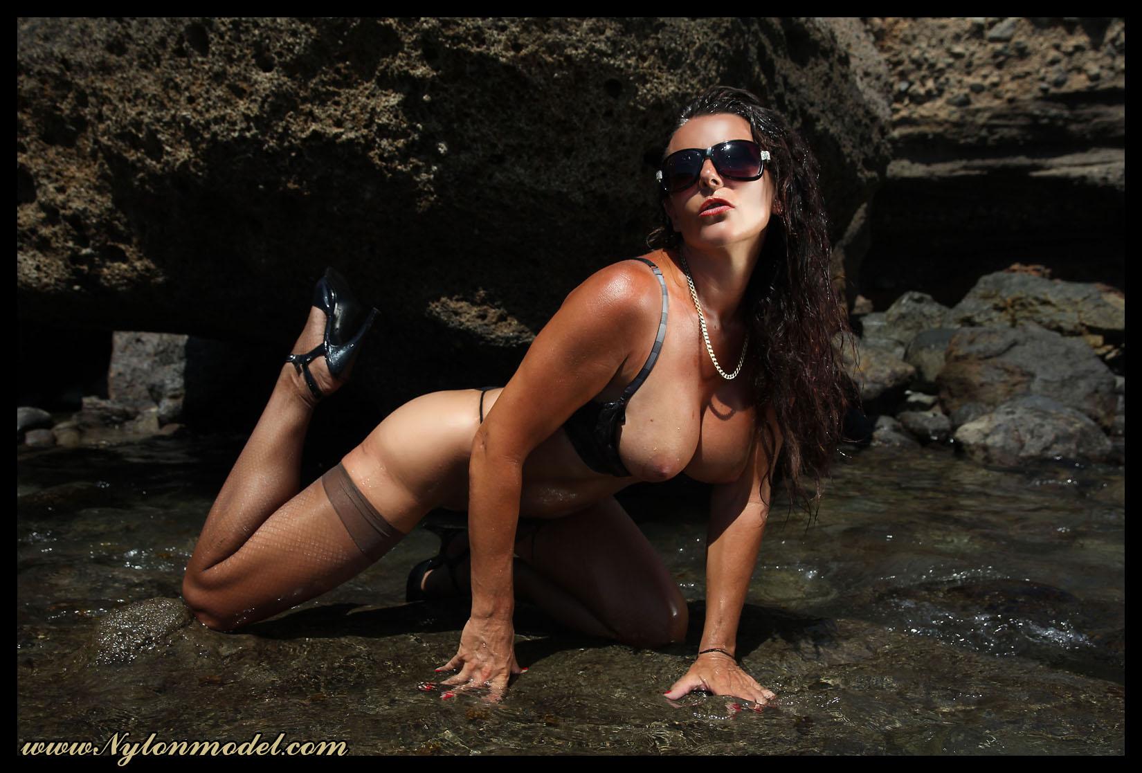 Фото голи женшини 6 фотография